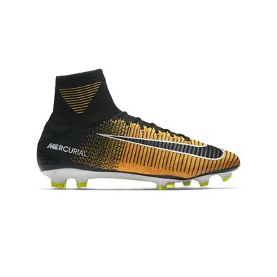 a67caf16ce790 BOTINES CON TAPONES NIKE MERCURIAL SUPERFLY V FG